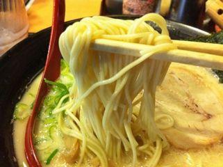 だるまのめ 池袋西口店:麺