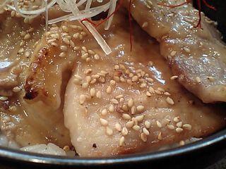 豚八:黒豚丼